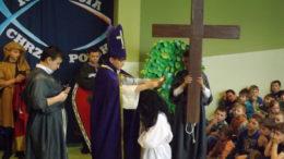 Głowne przedstawienie Chrzest Polski 966 w wykonaniu uczniów kl. VIa SP Gomulin (2)