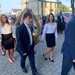 Dożynki Parafialne 2020 w Milejowie - delegacja Siomek przed wejściem do kościoła