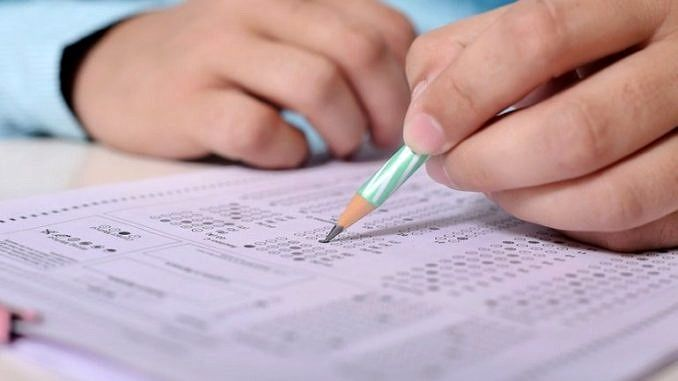 Egzamin - wypełnianie arkuszu egzaminacyjnego