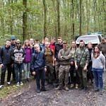 Uczniowie ZS CKZ Bujny z przedstawicielami Lasów Państwowych i Straży Leśniej