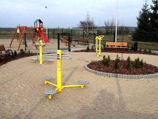 Istniejący już plac zabaw i siłownia plenerowa w miejscowości Krężna Kolonia