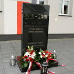 Pomnik w Woli Krzysztoposkiej - 1918 - 2018 W stulecie odzyskania niepodległości Polska dziękuje swoim Bohaterom Mieszkańcy gminy Wola Krzysztoporska