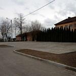 Utwarzdone miejsca parkingowe przy Domu Ludowym w Oprzężowie