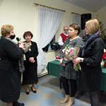 Spotkanie promocyjne w Woźnikach - gratulacje i upominki dla autorek