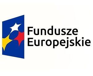 Czarny napis na białym tle:Fundusze Europejskie; obok na niebieskim tle trzy gwazdki - żółta, biał, czerwona