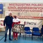 Mateusz Bernatek z prezesem AKS