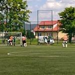 Mecz na boisku Orlik w Bujnch