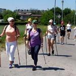 Uczestnicy rajdu nordic walking
