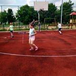 Rozgrywki sportowe dzieci na orliku