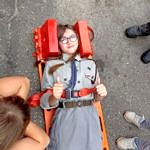 Pokaz ratownictwa (dziecko na noszach)