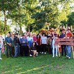 zdjęcie zbiorowe - uczestnicy pikniku