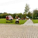 Plac zabaw i wóz strażacki