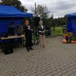 Wójt i sołtys wsi przy mikrofonie