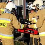 Przegląd gotowości jednostek OSP z terenu gminy Wola Krzysztoporska - strażacy, samochody, sprzęt ratowniczy sprawdzane przez komisję i wójta gminy