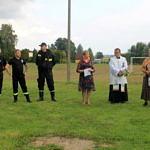 Przewodnicząca Rady Gminy, strażak, sołtys Maria Głowacka, ksiądz i wójt