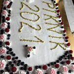 Wielki tort z napisem piknik 2021